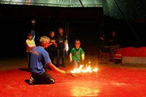 Kölner Spielecircus in Walhorn - Feuerspringer